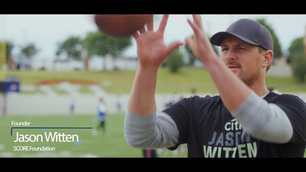 Jason Witten Catching Football